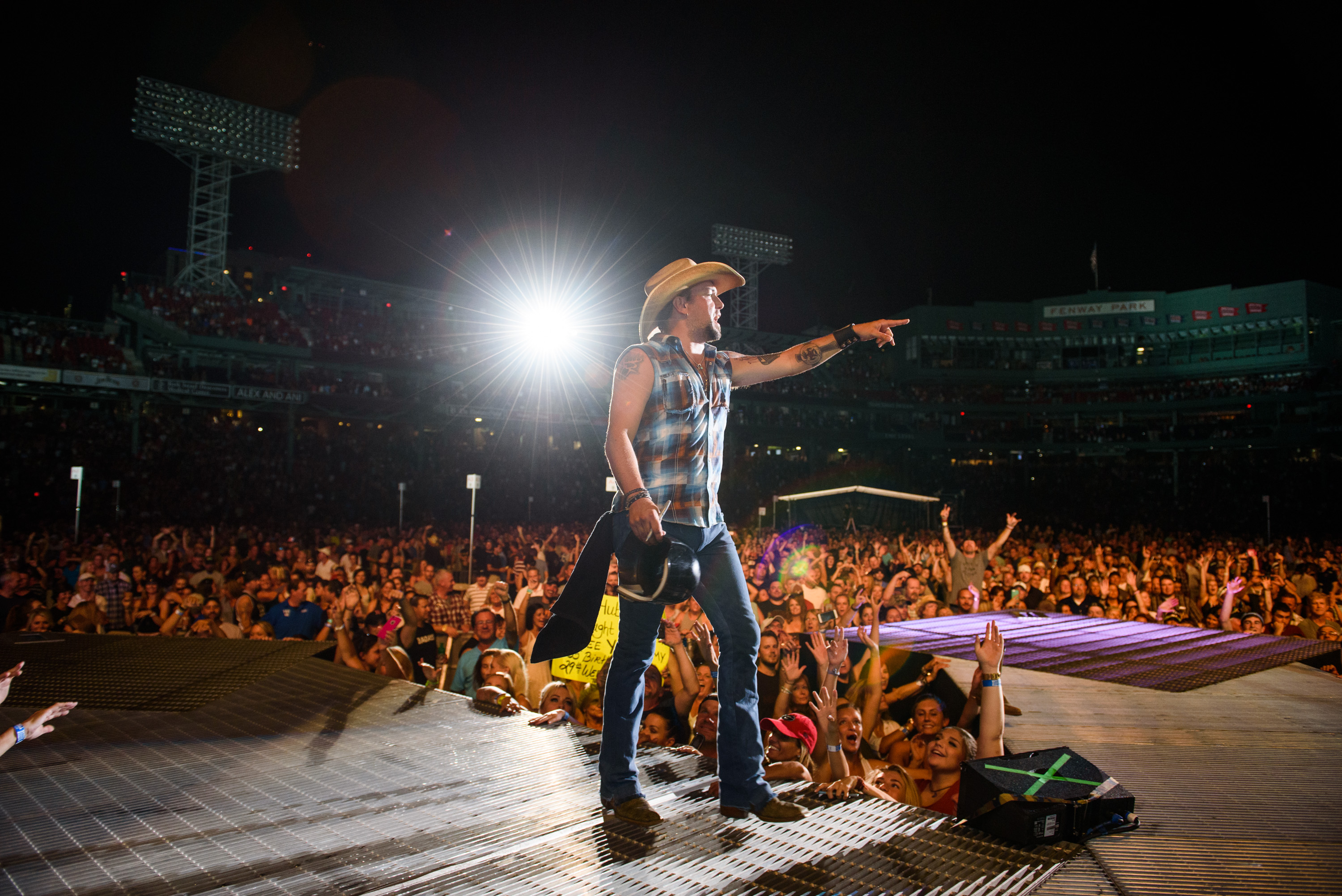 JASON ALDEAN HOSTS OVER 60K FANS AT FENWAY PARK