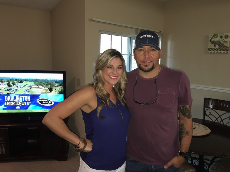 JASON ALDEAN SURPRISES FAN TO KICK OFF <i>THEY DON&#8217;T KNOW</i>